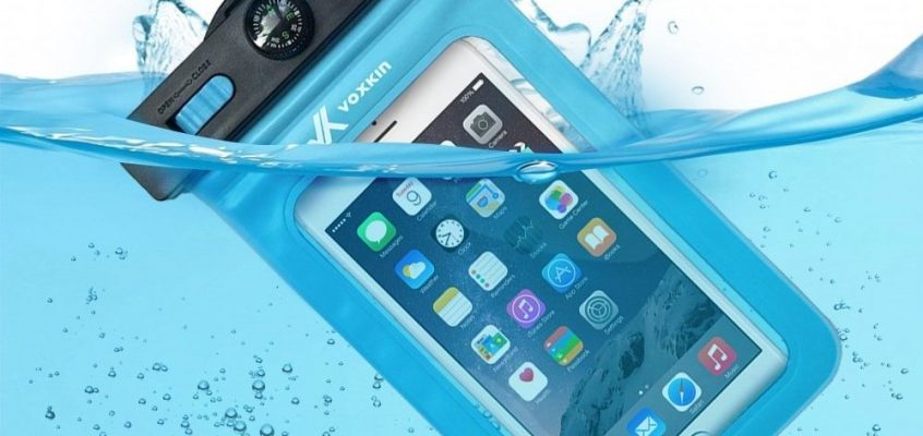 Keeping Your Devices Dry – The Voxkin Waterproof Case